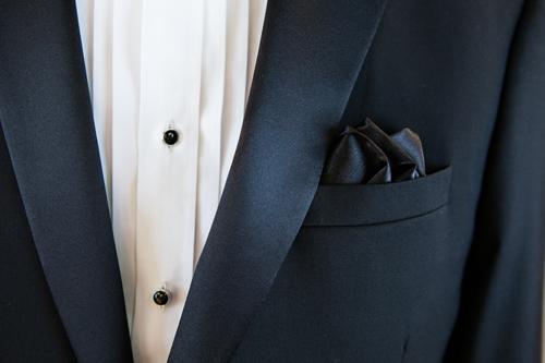 Caravelli Tuxedo Close